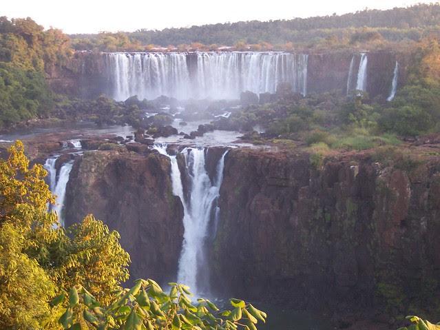 iguazu, cascate, argentina, brasile, unesco, mervaiglie del mondo, parchi nazionali