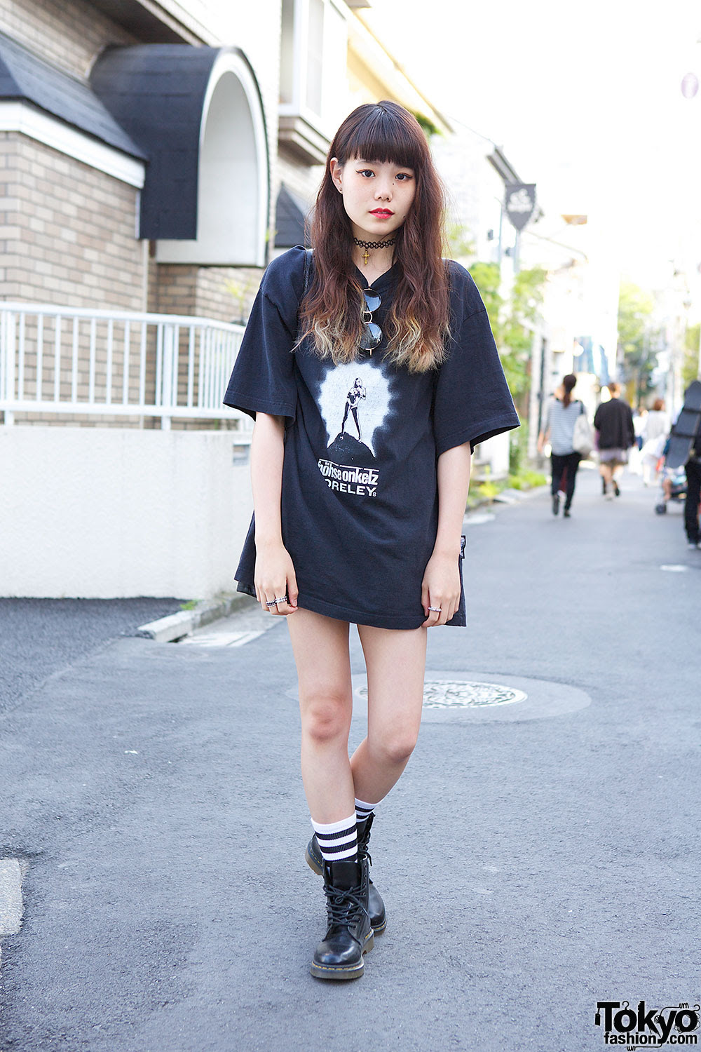 oversized band tshirt w dr martens choker  studded