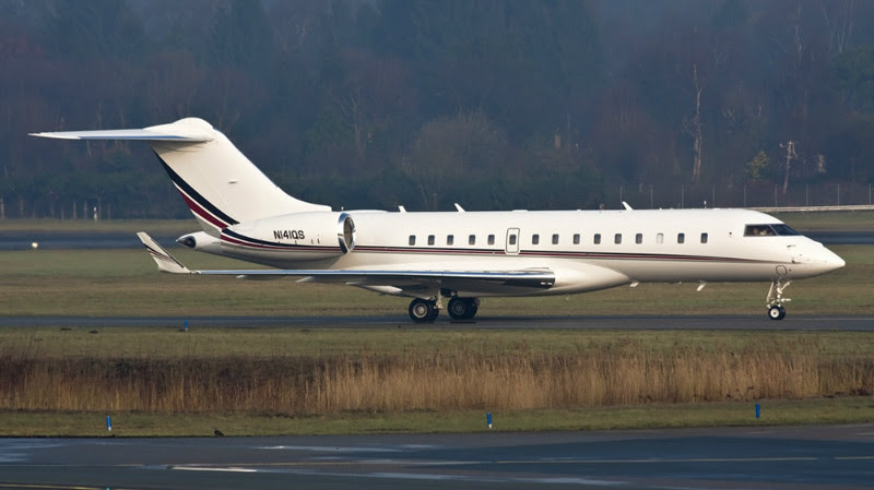 8. Bombardier BD-700 Global Express (Bill Gates) - $ 40 million. Businessmen billionaires, aircraft, private planes