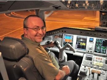 """""""É preciso ter paixão pelo voo"""", diz o professor e instrutor de voo Jonas Liasch Filho  (Foto: Jonas Liasch Filho/Arquivo pessoal)"""