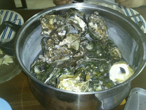 Mobile blog: talaba for lunch by popazrael
