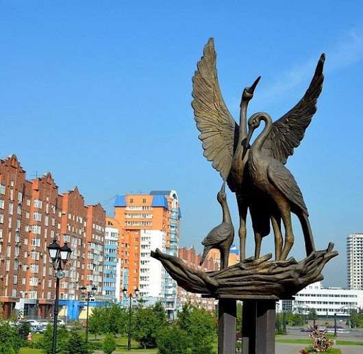 Symbolic Stork monuments in Russia - Monuments reveal