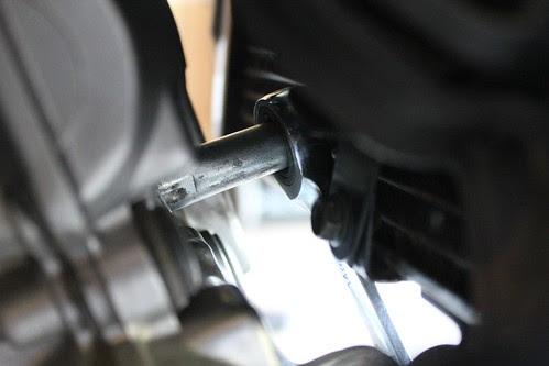 changing spark plug on SV650