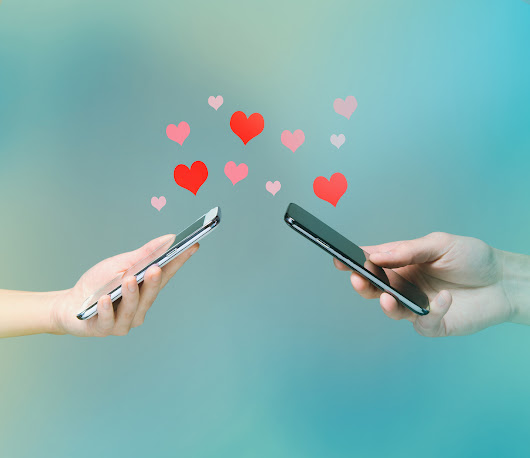 5 Ways to Keep Social Media From Destroying Your Relationship