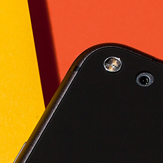 What Makes the Pixel's Camera So Good? Software (and Lasers)