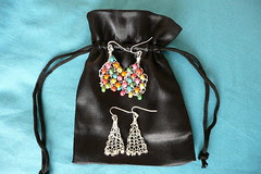 Knitted earrings and gift pouch