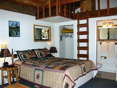 PINECREST CHALET (California)   Motel Reviews, Photos