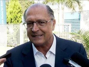 Geraldo Alckmin defende redução de vazão de rio para MG e RJ/GNews (Foto: Reprodução GloboNews)