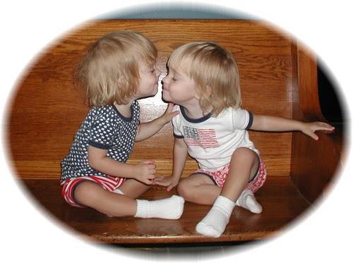 Kissin' Twins