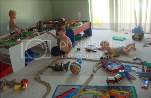 trains,trains,sodor,playing with choo choos