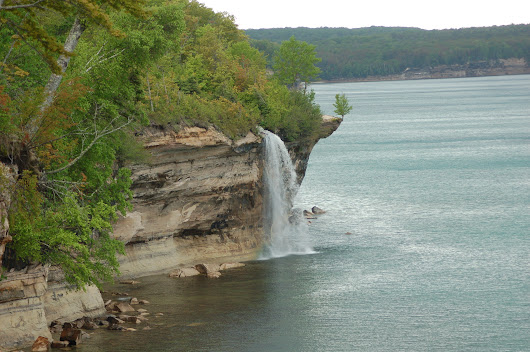 Photo Gallery Friday: Hiking to Spray Falls at Pictured Rocks National Lakeshore