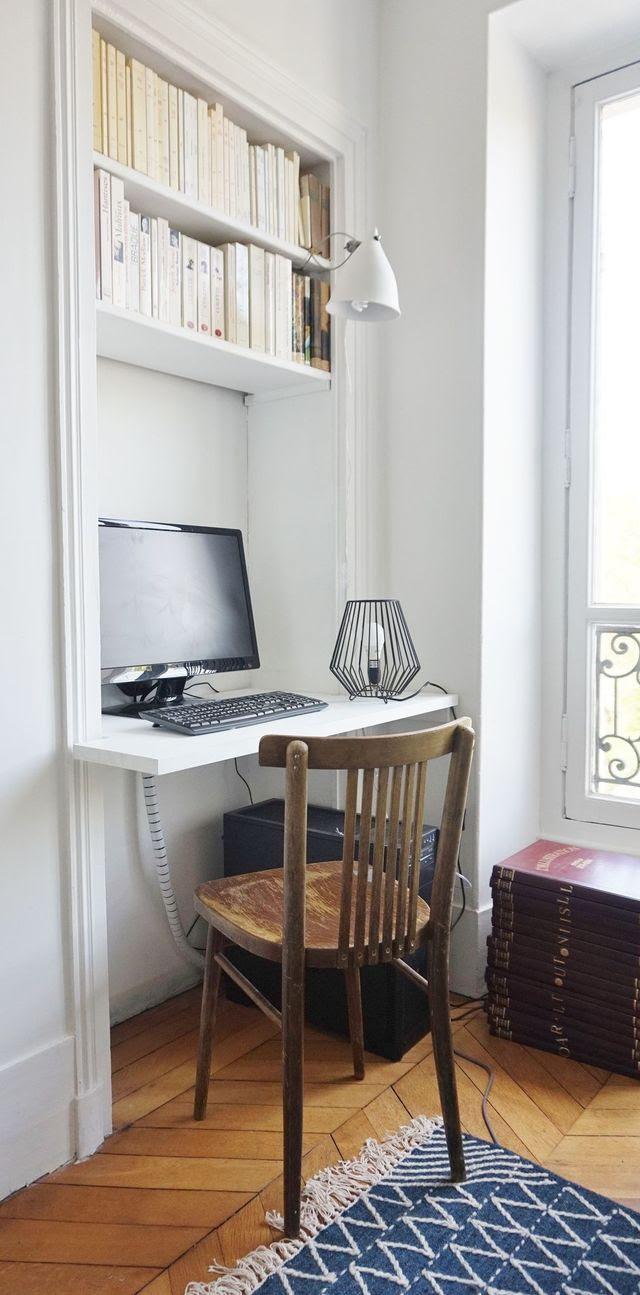 Applique blanche Tsé-Tsé / Lampe noire BHV / Chaise récup / Tapis AM.PM.