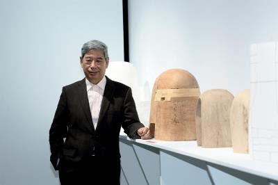 阮文盟是金工旅人,也是民間版外交官,默默以藝術創作實力,在世界各地展現「愛台灣」之心。(林格立攝)