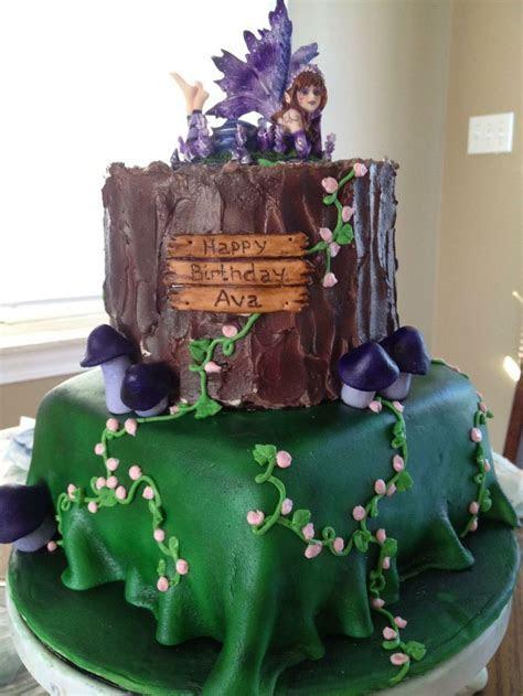 Woodland Fairy! Bottom cake covered in fondant, top cake