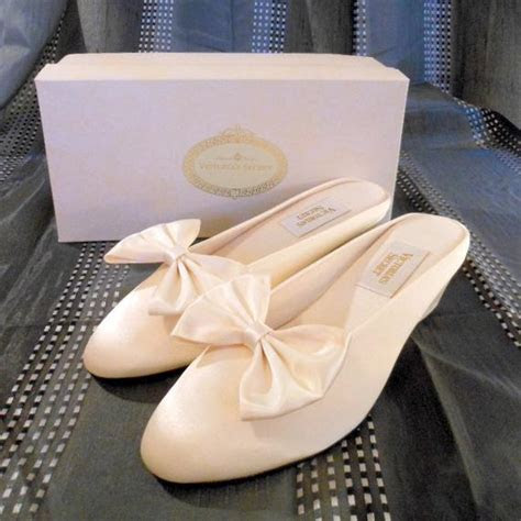 vintage 1980s Wedding shoes. slippers. Victoria Secret ivory