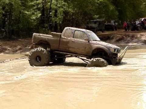 Image: MUD TRUCKS TOYOTA TACOMA on 44 BOGGERS ALMOST STUCK MUDDIN - YouTube