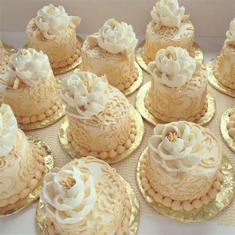 Victorian Buttercream Mini Cakes   CakeCentral.com