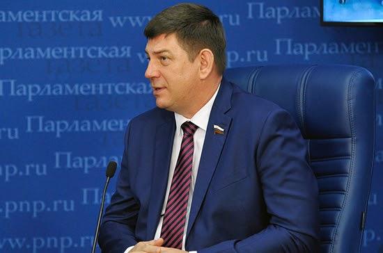 Смирнов: только в десяти российских регионах обеспечена доступность яслей