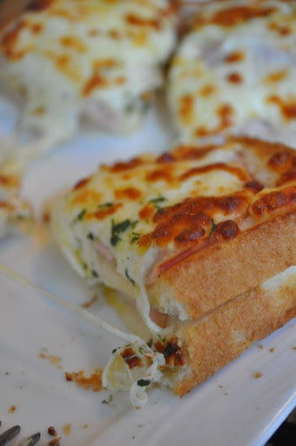 croque monsieur sliced