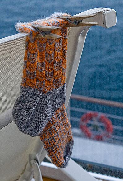 Ocean Liner/Sock Dryer