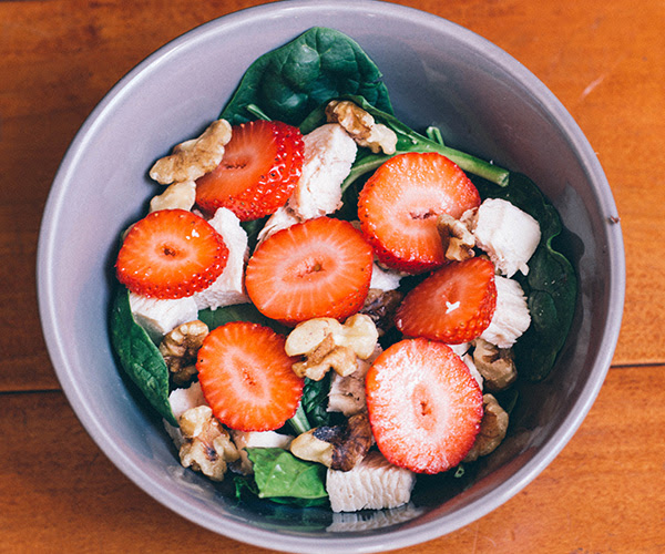Spinach Salad with Chiicken and Walnuts