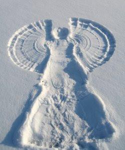 http://www.thewonderofchristmas.com/wp-content/uploads/2009/09/snow-angel.jpg