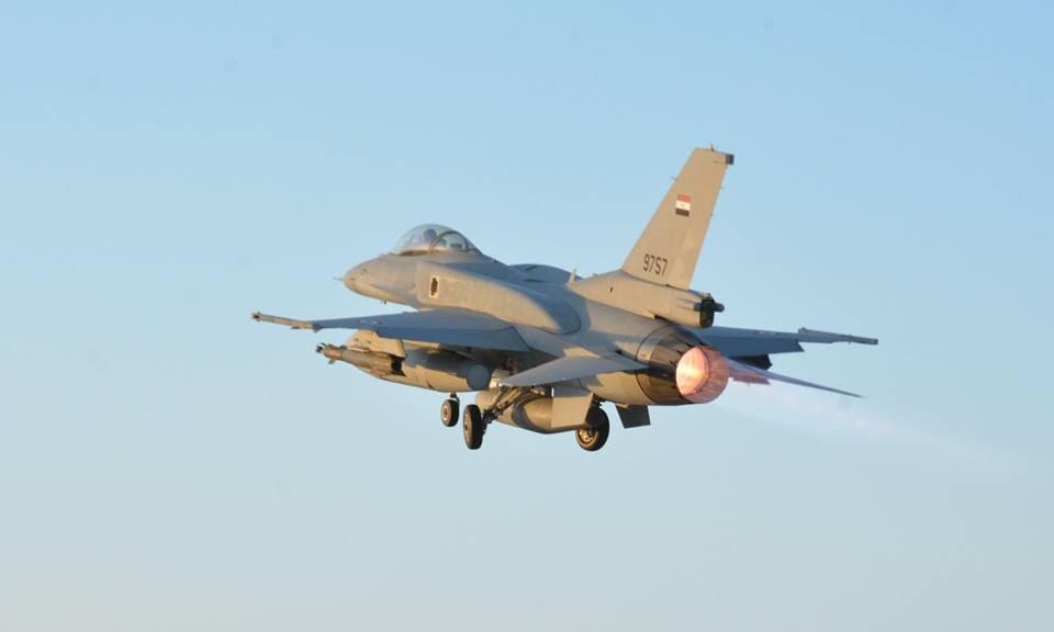 ΕΚΤΑΚΤΟ – Boμβαρδίζει ανηλεώς σε ολόκληρη την Λιβύη η Aίγυπτος ανοίγοντας δρόμο για τον εκλεκτό της Μόσχας – Στον αέρα F-16 Block 52 και Rafale με MICA EM – MICA IR μαζί με E-2C Hawkeye 2000 AEW - Εικόνα10