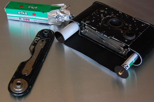 Vest Pocket Kodak Autographic film loading