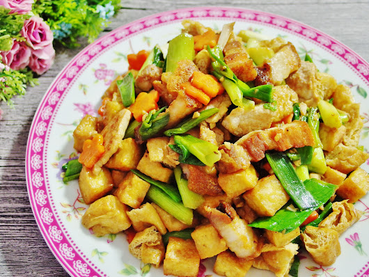 Stir Fried Leeks Recipe (with Roast Pork) | Spring Tomorrow
