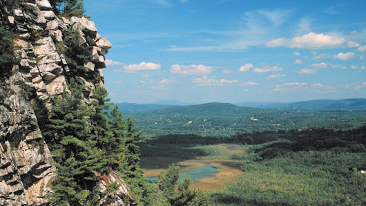 18 beautiful hiking trails in Massachusetts