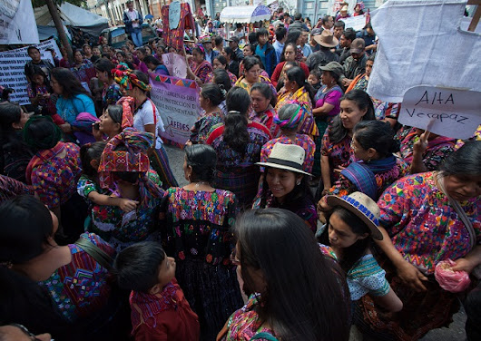 Indigenous Weavers in Guatemala Mobilize to Defend Their Craft and Cultural Rights - Toward Freedom
