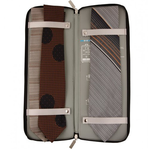 Spacepak Tie Case (open)