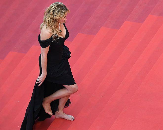 Julia Roberts y Kristen Stewart rompieron el 'protocolo de los tacones' en Cannes 2016 [Fotos]