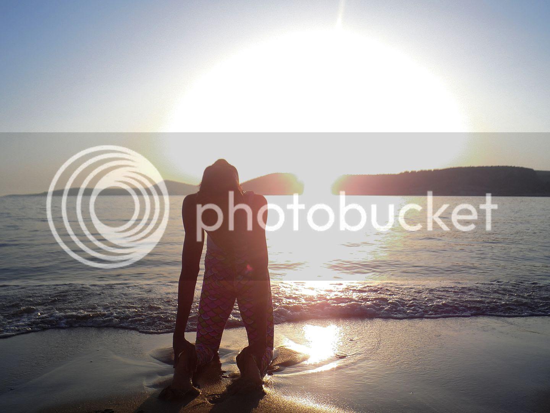 photo Ustrasana at the beach _zps2dmlzumm.jpg