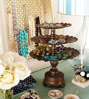 http://ohsoprettynprim.blogspot.co.uk/2012/06/make-statement-with-chic-jewellery.html