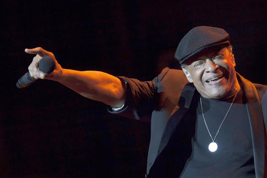 Legendary jazz singer Al Jarreau dies days after cancelling tour