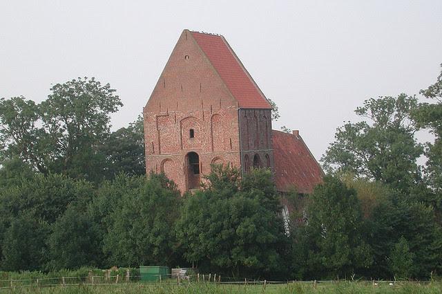 Perierga.gr - Ο κεκλιμένος πύργος του Suurhusen