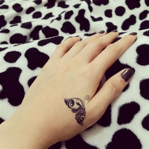 cool small hand tattoos images ladies sheideas