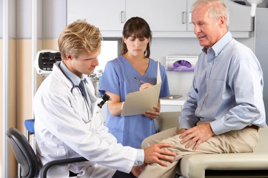 Knee Injections vs. Knee Replacement: What are My Options? - Medical News Today