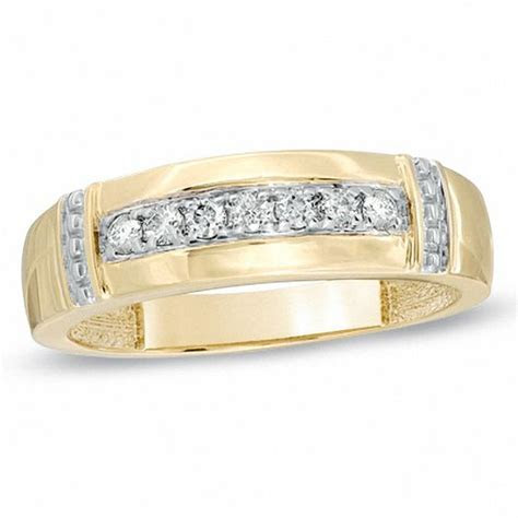 Men's 1/6 CT. T.W. Diamond Collar Wedding Band in 10K Gold