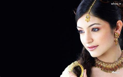 anushka sharma wearing  jewellery close  hd wallpaper