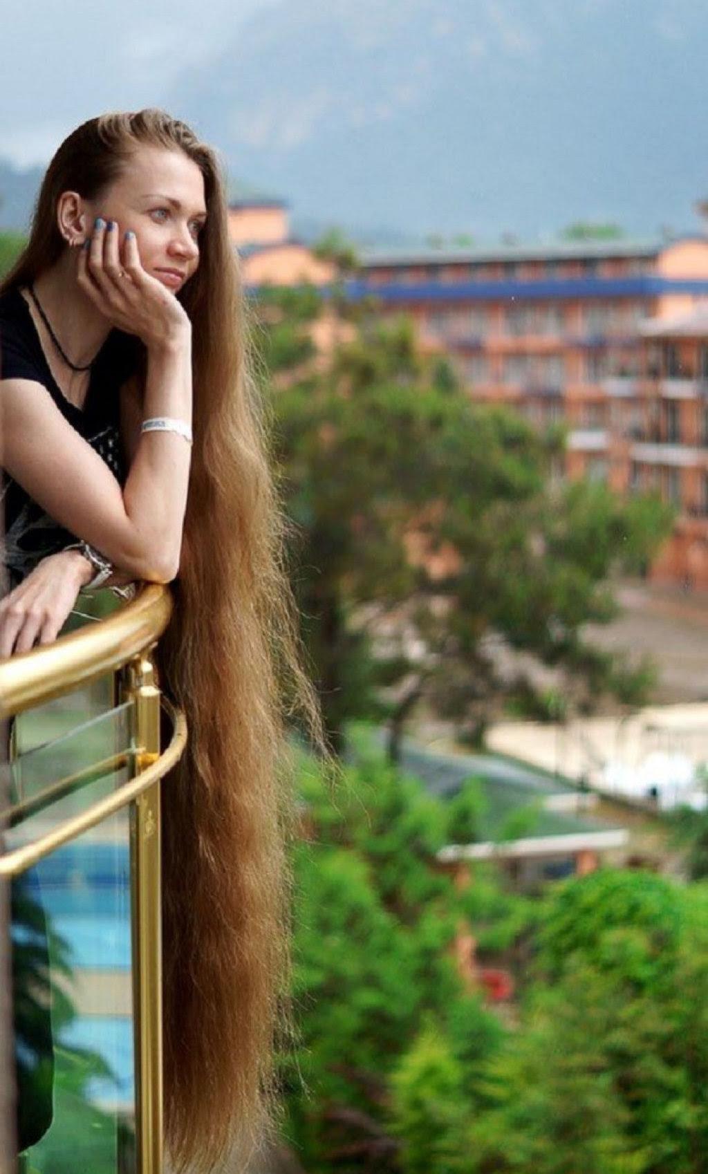 A rapunzel da vida real não corta os cabelos há 13 anos 05