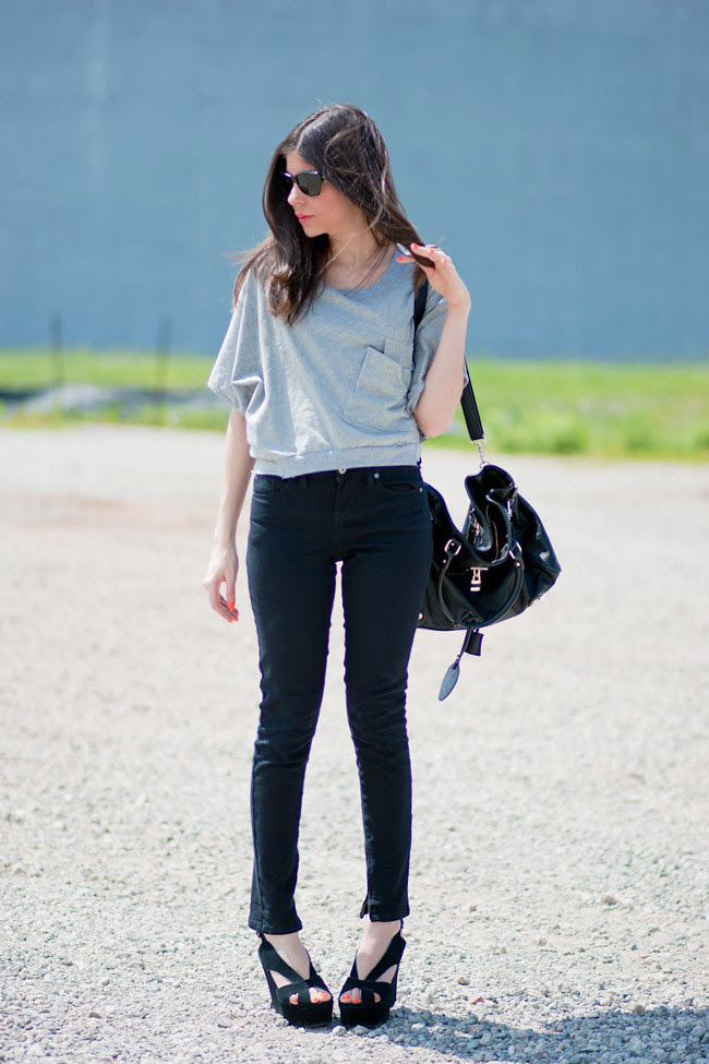 Crop Top, Topshop Skinny jeans, Dolce Gabbana Wedges Mariel Jeffrey Campbell shoes, Black leather bag