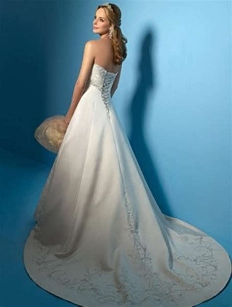 Alfred Angelo 2009 Wedding Dress on Sale, 25% Off