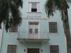 Santa Casa é dona do prédio onde funciona o Educandário  (Foto: reprodução/TV Tem)