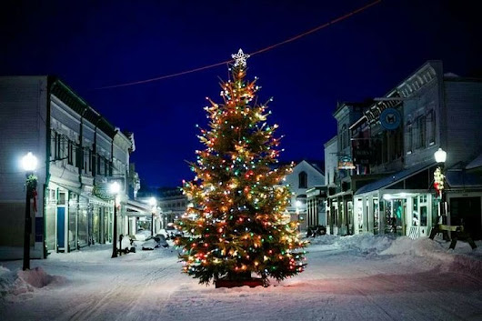 Here Are The Top 9 Christmas Towns In Michigan. They're Magical This Time Of Year.