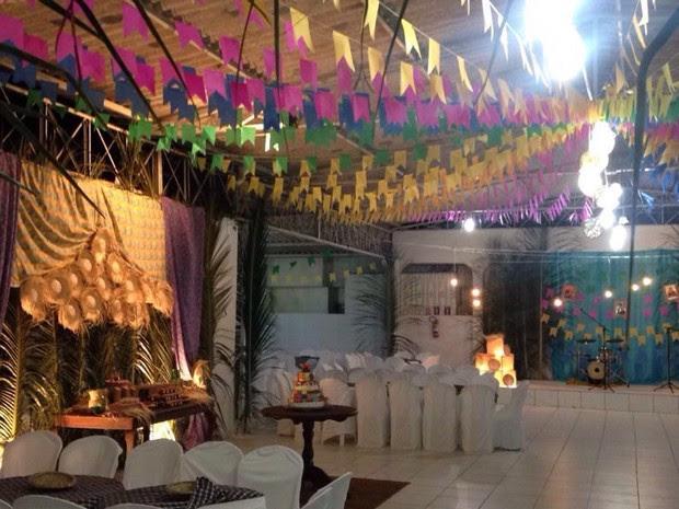 Decoração do salão de festa foi temática (Foto: Amanda Sales/Arquivo Pessoal)