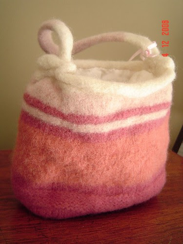 cute pink felted purse now has a lining