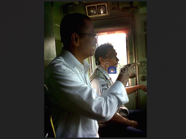 Dahlan Iskan Naik Kereta ke Istana Bogor