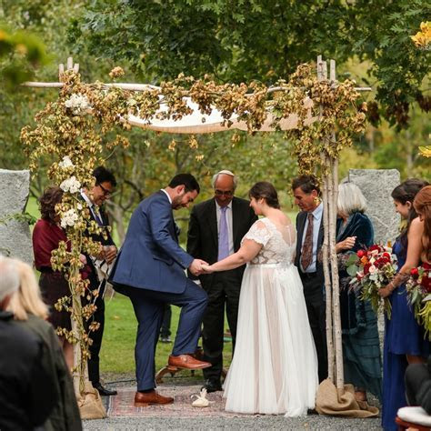 This Custom Is a Staple of Traditional Jewish Wedding